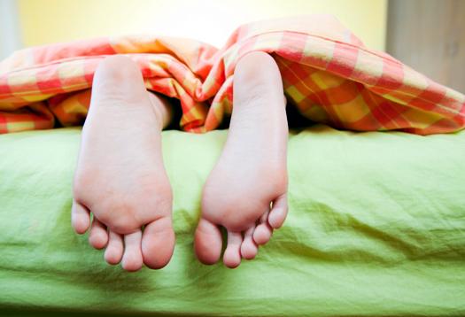 feet_bed_1