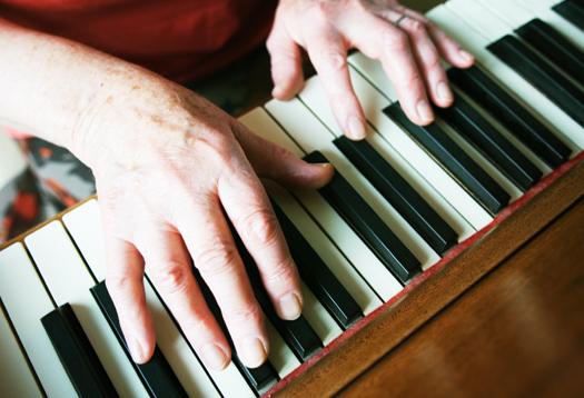 senior_piano_1