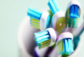 tooth_brushes_1