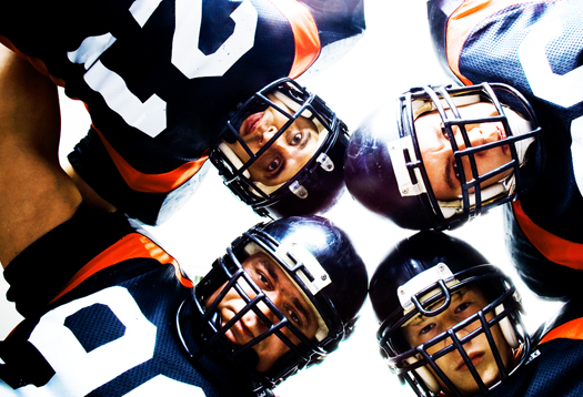 football_huddle_1