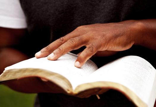 hand_bible_525
