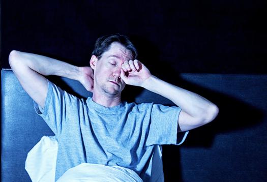 man_asleep_525