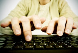 typing_hands_525