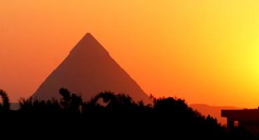 sun_pyramid_525
