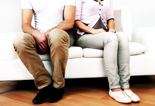 couple_couch_white_525