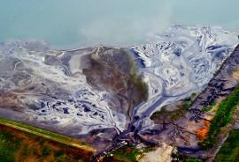 coal_ash_pond_525
