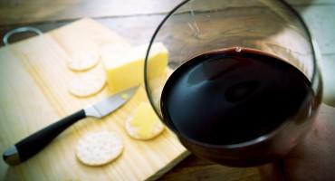 wine_cheese_525