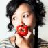 eat_tomato_1