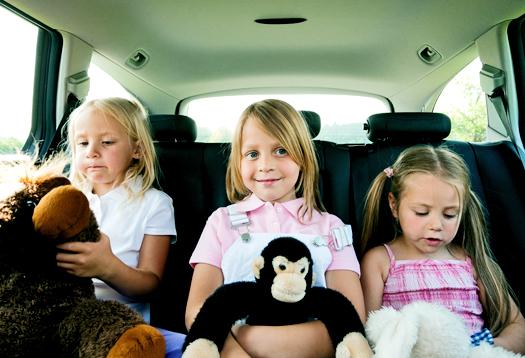 girls_backseat