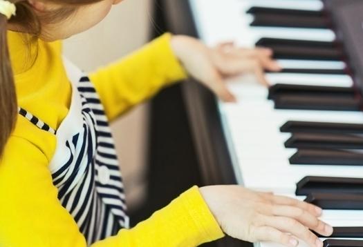 piano_girl_1
