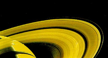 Saturn_rings_Voyager-1