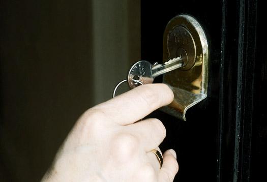 unlocking_door_525