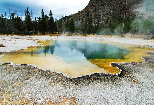 hot_spring_525