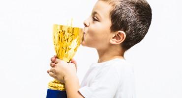 boy_trophy_525