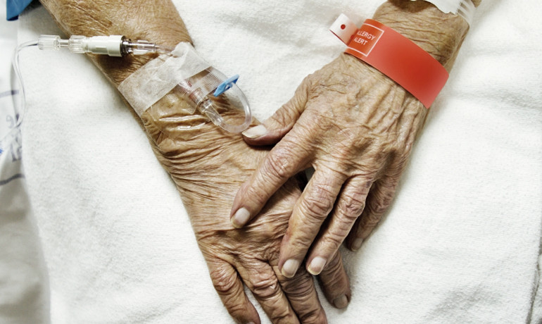 """""""This study is important, as delirium is often overlooked and minimized in the hospital setting, especially in persons with dementia,"""" says Donna Fick. """"And it illustrates that delirium is deadly, costly, and impacts patient functioning."""" (Credit: iStockphoto)"""