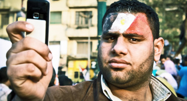 Effective digital activism, like that seen during the 2011 Egyptian revolution, employs a number of social media tools, says Philip Howard. Tweeting alone is not as successful—and no single tool has a clear relationship with campaign success. (Credit: Ahmad Hammoud/Flickr)