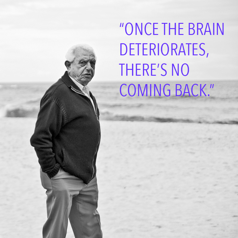 """""""If we are going to have any hope of helping patients with Alzheimer's disease, we need to do it as early as possible,"""" says David J. Schretlen. """"Once the brain deteriorates, there's no coming back."""" (Credit: Martin Garrido/Flickr)"""