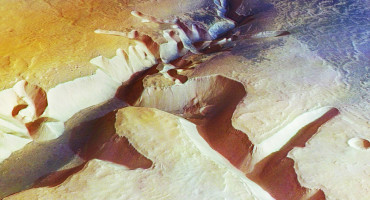 Judging from the evidence in Idaho, however, it seems more likely that on Mars, as on Earth, amphitheater-headed canyons were created by enormous flood events, suggesting that Mars was once a very watery planet. Above, toward the right side of the image, an amphitheater-headed canyon in the Echus Chasma region on Mars. (Credit: ESA/DLR/FU Berlin (G. Neukum))