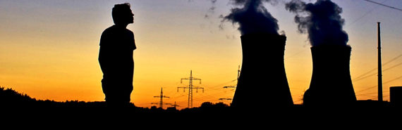 """""""With a mix of stringency and flexibility, the new EPA rules have the potential to substantially reduce emissions of sulfur dioxide and nitrogen oxides from power plants, which contribute to local and regional air pollution,"""" says Jonathan Buonocore. """"This is an opportunity to both mitigate climate change and protect public health."""" (Credit: Martin/Flickr)"""