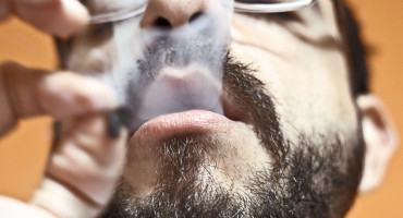 """Marijuana might increase the risk for other drug use because, like nicotine, it """"stimulates the same reward pathways"""" in the brain, says Richard Saitz. """"Continuing to stimulate those pathways with any drug could be related to using other drugs, some of which are more potent and harmful."""" (Credit: Prensa 420/Flickr)"""