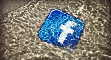 Facebook icon under water
