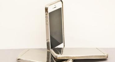 smartphone cases made from bulk metallic glasses