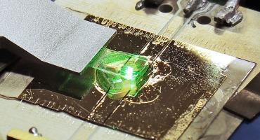 MRI diamond sensor chip
