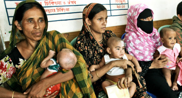 mothers and babies in Bangladesh