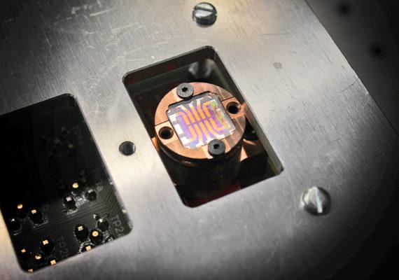 nanocrystal solar cell chip