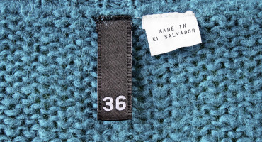 """made in el salvador"" label in sweater"