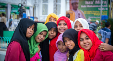 smiling women in Banda Aceh