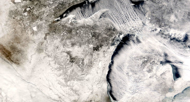 cloud streets over great lakes