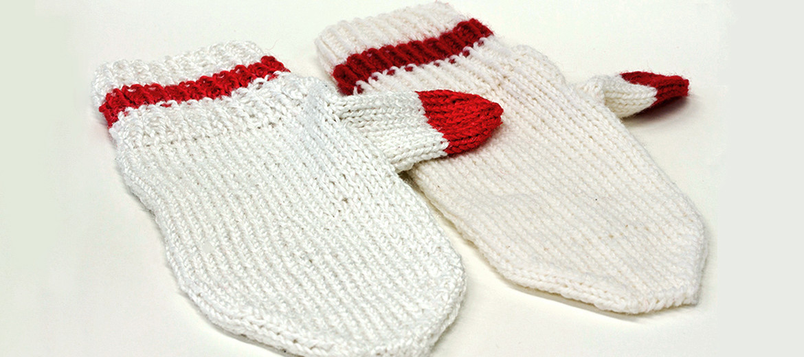 gelatin fibers as yarn as mittens