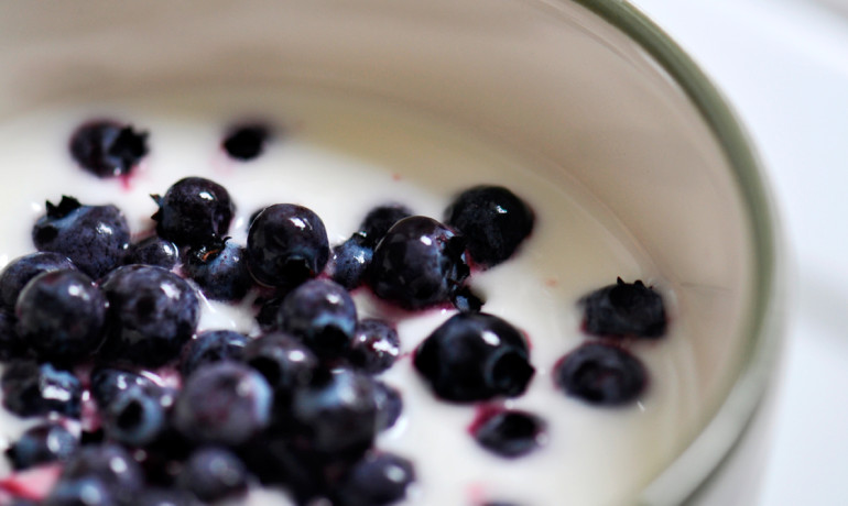blueberries in yogurt