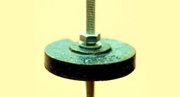 pendulum on yellow