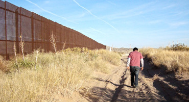 border wall between US and Mexico