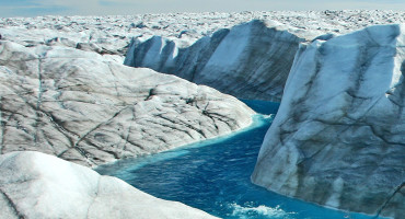 Meltwater streams and rivers on the surface of the western area of the Greenland ice sheet