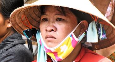 vietnamese woman in heat wave