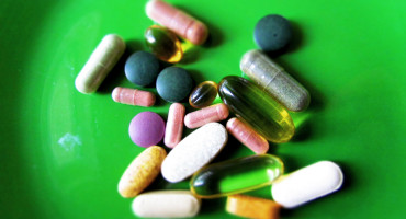supplements on green