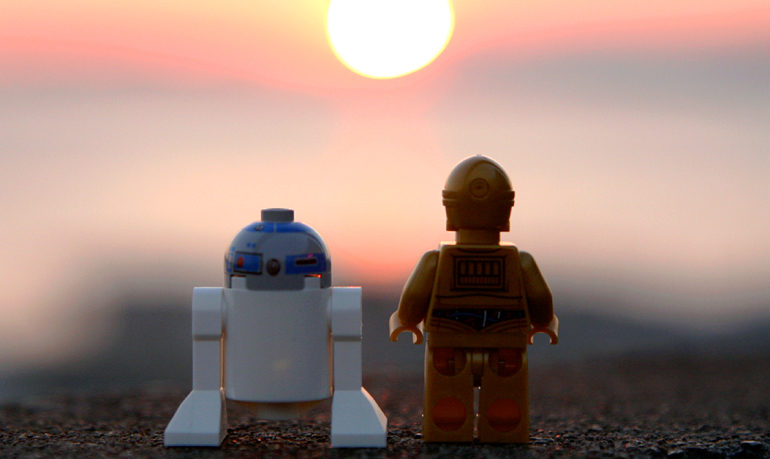 r2-d2 and c3po watch sunset