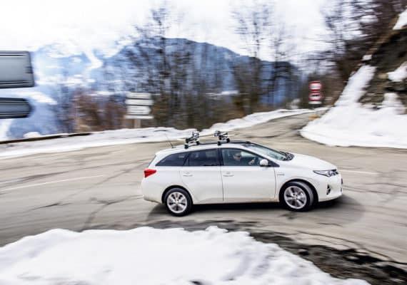Auris hybrid in the snow