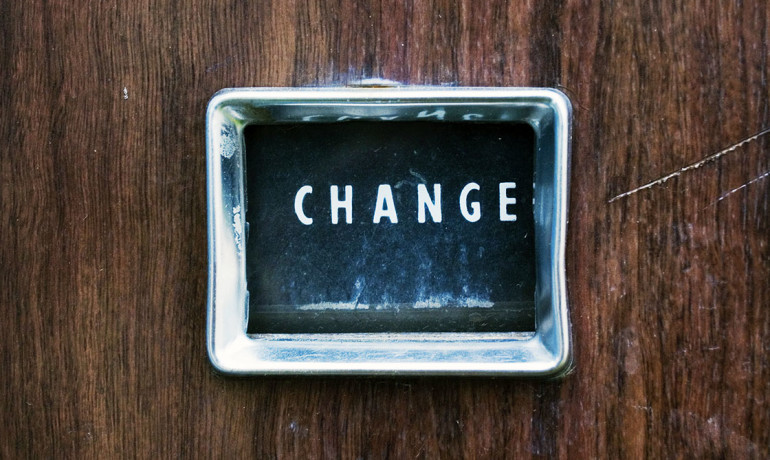 change sign on a vending machine