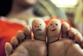 happy and sad feelings on toes