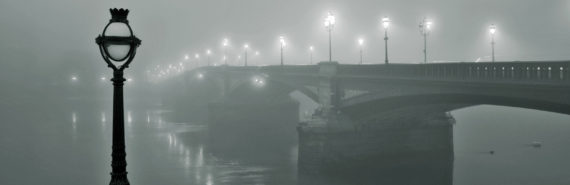 battersea bridge, London in fog
