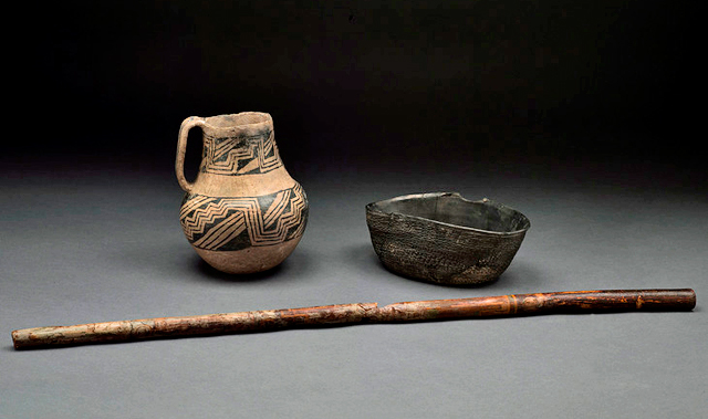 Chaco Canyon flute and pottery
