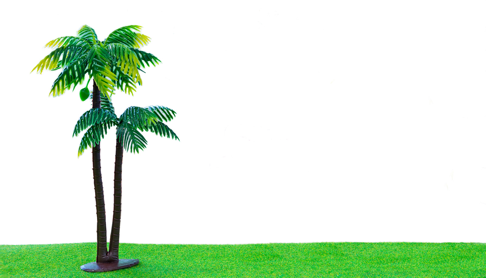 flappy leaves on fake tree make electricity futurity