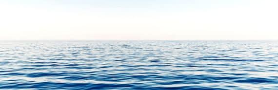ocean horizon line