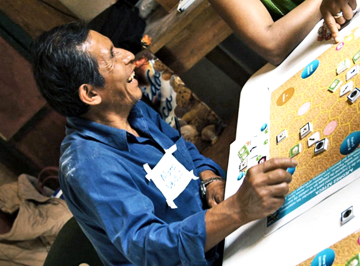a Mexican coffee farmer plays Azteca Chess