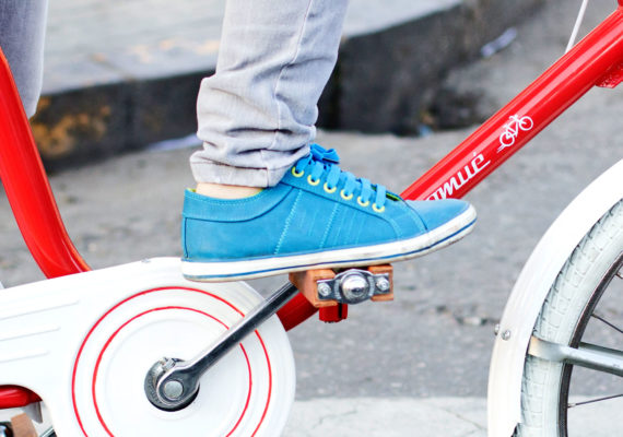 blue sneaker pedals red and white bike
