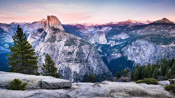granite peaks, an example of felsic rock